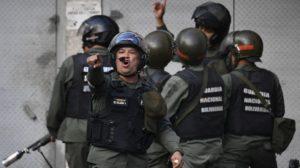 Militares que abandonaron al régimen de Maduro aseguran que los mandan a la calle a matar