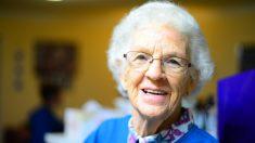 Muere de estrés a los 101 años en un hogar después que la cuidadora le rompe ambas piernas