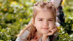 Propuesta fallida: niña de 3 años aplica llave en la cabeza al compañerito que le pidió casamiento