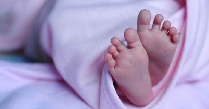 Una foto de archivo de los pies de un bebé. (Christiana Bella/Pixabay)