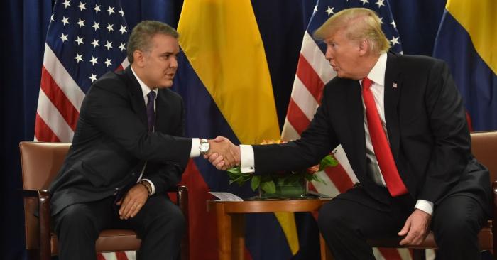 El presidente Iván Duque (I) de Colombia se reúne con el presidente de los Estados Unidos, Donald Trump, en la sede de las Naciones Unidas en Nueva York, el 25 de septiembre de 2018. Foto de NICHOLAS KAMM/AFP/Getty Images.