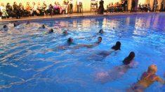 Las piscinas pueden contener litros de orina, estos son los efectos que produce