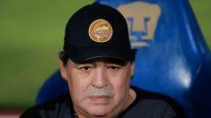 Multan a Maradona por apoyar a Maduro durante sus funciones como entrenador