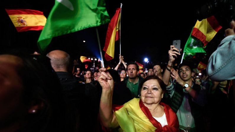Los españoles acudieron en masa a las urnas en una tensa y rápida elección general el 28 de abril de 2019. Foto de OSCAR DEL POZO/AFP/Getty Images.