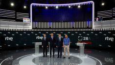 Candidato español que queda fuera de debate electoral en RTVE tuitea foto con cuatro loros