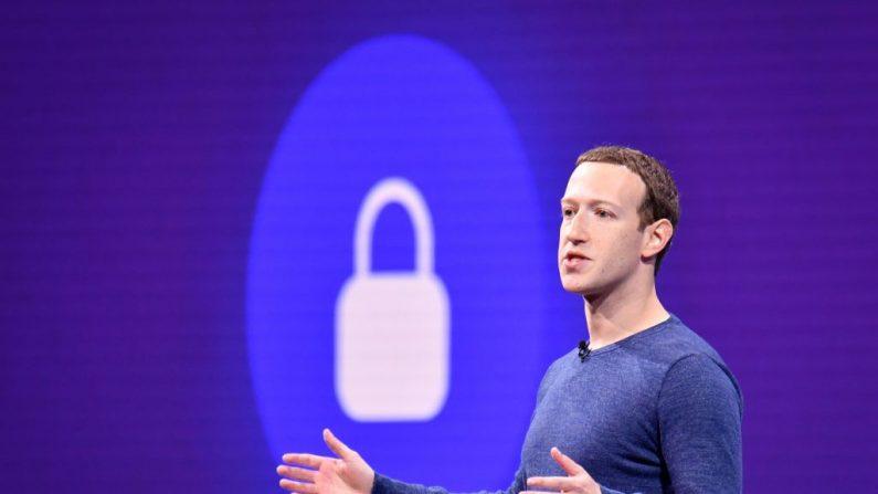 El director ejecutivo de Facebook, Mark Zuckerberg, habla durante la cumbre anual de F8 en el Centro de Convenciones San José McEnery en San José, California, el 1 de mayo de 2018. (JOSH EDELSON/AFP/Getty Images)