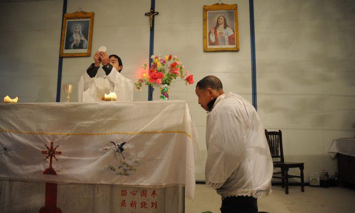 Ciudad china ofrece recompensa en efectivo a delatores que denuncien 'actividades religiosas ilegales'