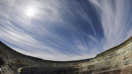 Misteriosos y sorprendentes: así son algunos de los agujeros más gigantescos de la Tierra
