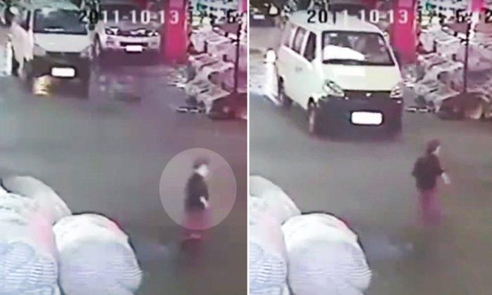 En los últimos años, las cámaras de vigilancia en toda China han capturado con regularidad a conductores que acabando de atropellar accidentalmente a un peatón dan marcha atrás para matar a la persona lesionada. (YouTube Captura de pantalla | China sin censura)