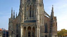 Otra iglesia podría sucumbir a la acción del hombre: la orina está destruyendo la base de la monumental catedral de Ulm