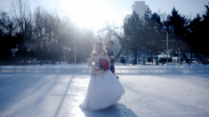 Mujer compra un esposo por 4500 dólares porque sus padres le insistían demasiado con el matrimonio