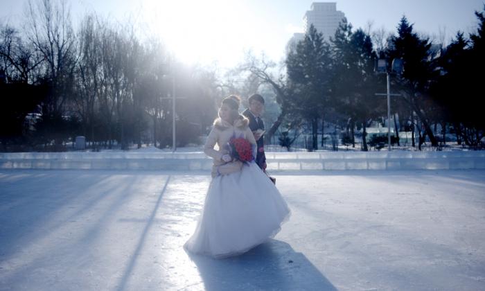 Una ceremonia de boda como parte del Festival Internacional de Hielo y Nieve de Harbin. (WANG ZHAO/AFP/Getty Images)
