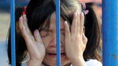 Corazonada de una mesera salva la vida de dos niños de un grave abuso a menores