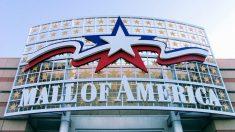 """""""Un verdadero milagro"""": Resultados del niño arrojado de balcón de Mall of America dejan atónitos a los médicos"""