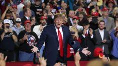 El apoyo hispano a Trump alcanza el 50%, revela una encuesta