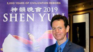 El concertista de piano clásico Eric Le Van elogia los esfuerzos de Shen Yun por recuperar las tradiciones