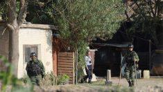 Ejército mexicano libera 3 secuestrados, detiene 3 captores y halla 18 bolsas con restos humanos