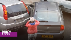 Las confusas maniobras de esta conductora intentado estacionar tienen a todo Internet muerto de risa