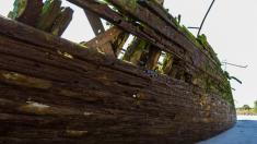 Artefactos antiguos en un barco desaparecido por 132 años fueron encontrados bajo un maizal
