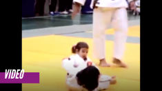 Dos niñas de tres años se enfrentan en una pelea de judo con unos abrazos que derriten a la audiencia