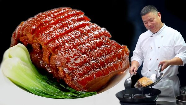 Chef Zhang Hua cocinando