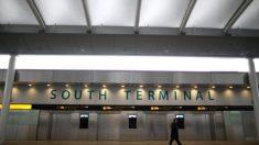 Un hombre halla a su familia 33 años después de ser abandonado en el aeropuerto cuando era un bebé