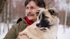 Rescató 2 perros sin imaginar que ellos lo salvarían a él en los momentos más difíciles