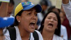 Padres de niños muertos en espera de trasplante responsabilizan al régimen de Maduro