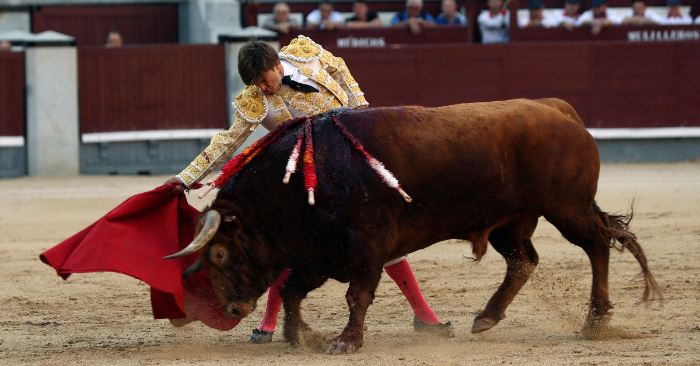 El torero francés Juan Leal en el duodécimo festejo de la Feria de San Isidro, el 25 de mayo de 2019, en Las Ventas, Madrid. EFE/JJ. Guillén