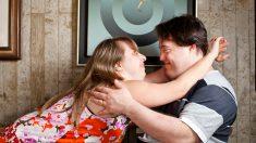 Pareja con síndrome de Down celebra el amor en una boda mágica con temática de unicornio