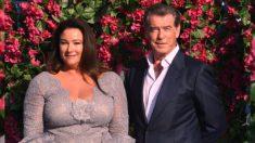 La historia de amor de Pierce Brosnan, el agente 007, y su secreto para un matrimonio largo y feliz
