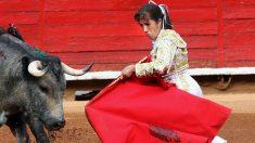 Torera mexicana Hilda Tenorio sufre cornada en el rostro y se lo reconstruyen tras 17 fracturas