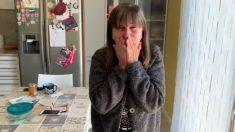 Joven español sorprende a su madre tras 5 meses de ausencia y la reacción de ella enloquece las redes