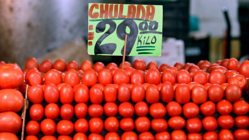 """Vista de los tomates expuestos en el mercado mayorista """"Central de Abasto"""" en la Ciudad de México el 14 de enero de 2019. (ALFREDO ESTRELLA/AFP/Getty Images)"""