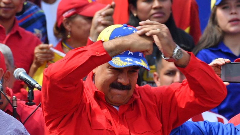 El dictador venezolano Nicolás Maduro festeja el 2 de febrero de 2019. (YURI CORTEZ/AFP/Getty Images)