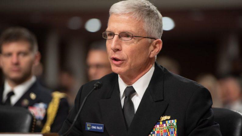 El Jefe del Comando Sur de las Fuerzas Armadas de Estados Unidos, Almirante Craig Faller, testifica durante una audiencia del Comité de Servicios Armados del Senado de los Estados Unidos en el Capitolio en Washington, DC. (SAUL LOEB/AFP/Getty Images)