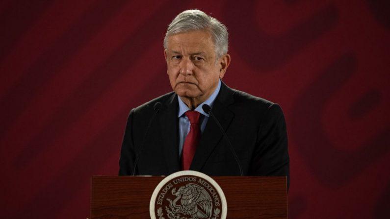 El presidente de México, Andrés Manuel López Obrador, habla durante su conferencia de prensa diaria en el Palacio Nacional de la Ciudad de México el 26 de marzo de 2019. (PEDRO PARDO/AFP/Getty Images)