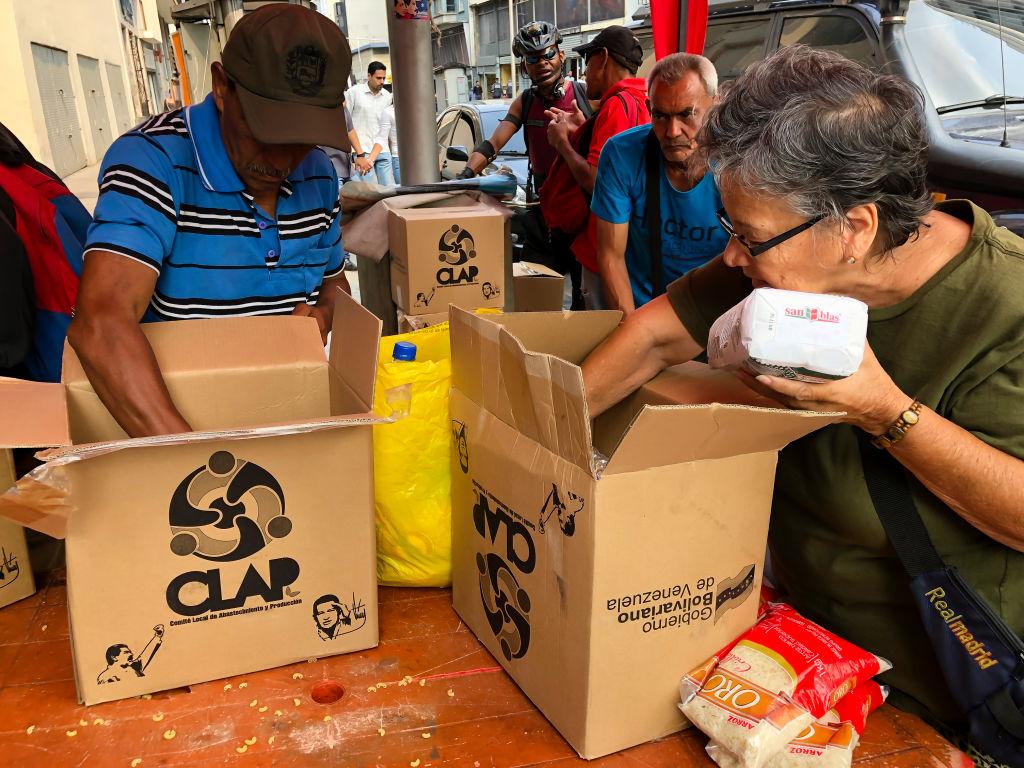 EE.UU. acusa a tres colombianos y dos venezolanos por lavar dinero del CLAP