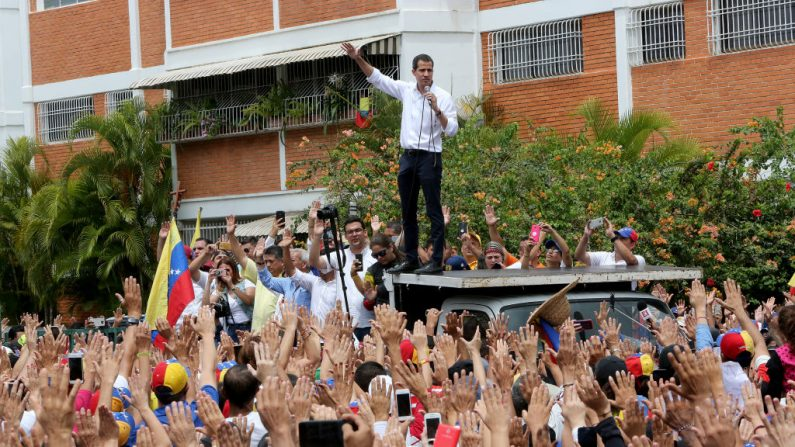 El presidente encargado venezolano Juan Guaidó, habla durante un mitín el 26 de mayo de 2019 en Barquisimeto, Venezuela. (Edilzon Gamez/Getty Images)