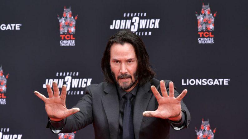 Keanu Reeves es honrado con una ceremonia de impresión de manos en el Teatro Chino de Los Ángeles, el 14 de mayo de 2019 en Hollywood, California. (Emma McIntyre/Getty Images)