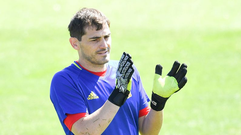 El arquero español Iker Casillas fue ingresado de urgencia tras sufrir un infarto durante un entrenamiento