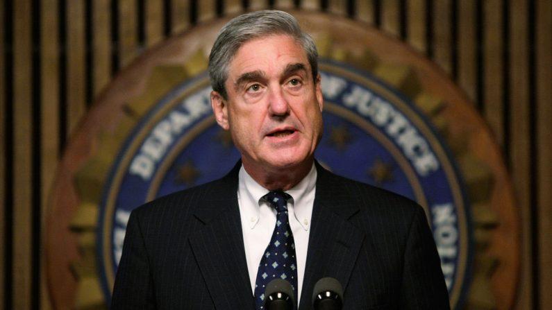 Robert Mueller hablando en una conferencia en Washington D.C. en el 2008 (Créditos: Alex Wong/Getty Image)