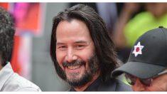 Fan de Keanu Reeves publica descabellada anécdota cuando intentó sutilmente pedirle un autógrafo