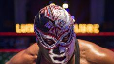"""Icónico luchador """"Silver King"""" muere en el cuadrilátero en un encuentro de lucha libre"""