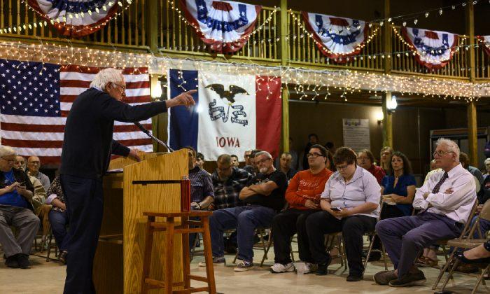El candidato a presidente por el Partido Demócrata, el senador Bernie Sanders, (independiente por Vermont) durante una charla en el Museo Fort el 4 de mayo de 2019 en Fort Dodge, Iowa. (Stephen Maturen/Getty Images)