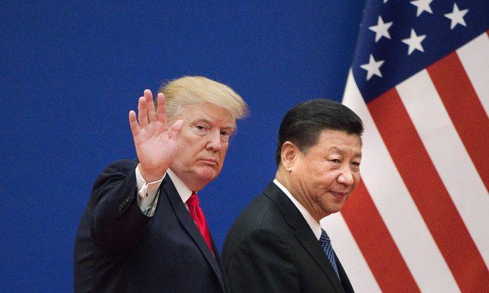El presidente Donald Trump y el mandatario chino Xi Jinping en el Gran Salón del Pueblo en Beijing, el 9 de noviembre de 2017. (Nicolas Asfouri/AFP/Getty Images)