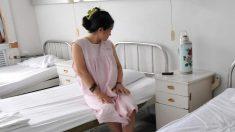 Mujer suplica por un cuarto aborto gratuito y luego amenaza al médico que le hace la cirugía