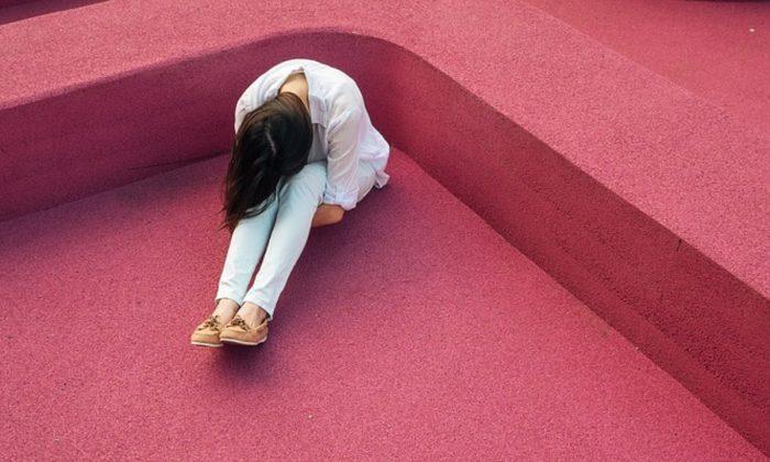Imagen ilustrativa de una mujer deprimida (Foundry/Pixabay)