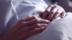 Una madre se despierta del coma después de 27 años, su hijo nunca abandonó la esperanza
