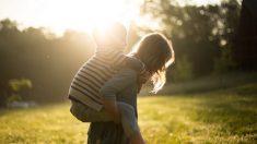 """""""Mi corazón se estremeció"""": Niña de 11 años salva a su hermanito de las garras de un secuestrador"""